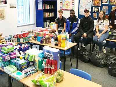Warrington Youth Club Support Verve Place With Food Donations